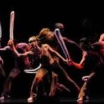 Pilobolus Danza Teatro presentó juegos acrobáticos en el Festival 5 de Mayo