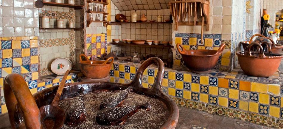 Mole poblano mezcla de sabores prehisp nicos y coloniales for Utensilios de cocina mexicana